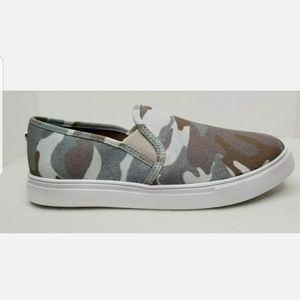 Steve Madden Gills-C Green Camo Shoes